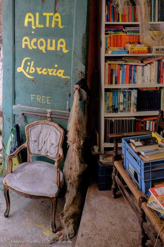Alta Acqua Libreria2